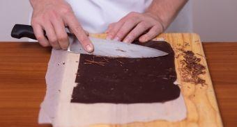 Торт из орехового бисквита и орехового безе с пралине — инструкция по приготовлению, шаг 12